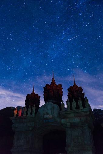 star sky「 Huayan Temple of Laoshan Mountain in Shandong Province,China」:スマホ壁紙(5)