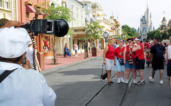 Magic Kingdom「Gay Days Celebrated At Walt Disney World 」:写真・画像(6)[壁紙.com]