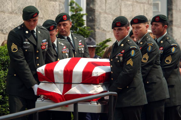 Beret「Special Forces Soldier Buried Amid Protests」:写真・画像(12)[壁紙.com]