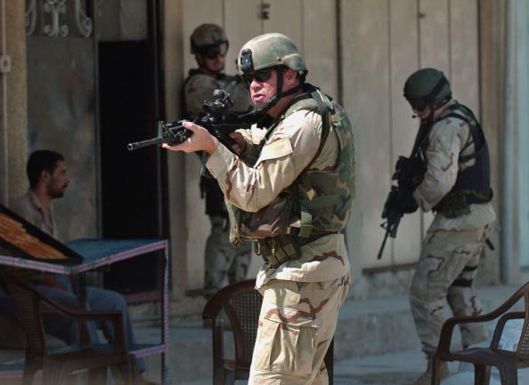 Beret「U.S. Army Special Forces Capture High Level Saddam Fedayeen Leader」:写真・画像(12)[壁紙.com]
