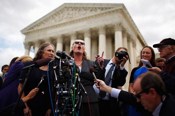 Chip Somodevilla「Supreme Court Hears First Amendment Case On Protests At Military Funerals」:写真・画像(13)[壁紙.com]