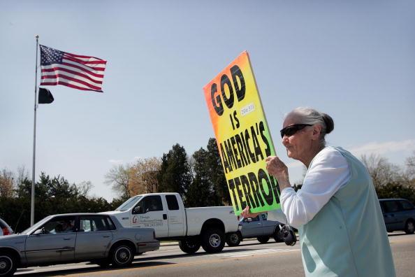 ホモフォビア「Anti-Gay Activists Continue Protests At War Funerals」:写真・画像(18)[壁紙.com]