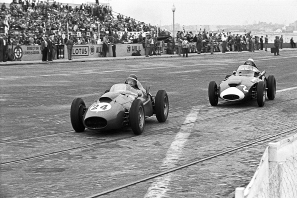 Portugal「Mike Hawthorn, Stirling Moss, Grand Prix Of Portugal」:写真・画像(4)[壁紙.com]