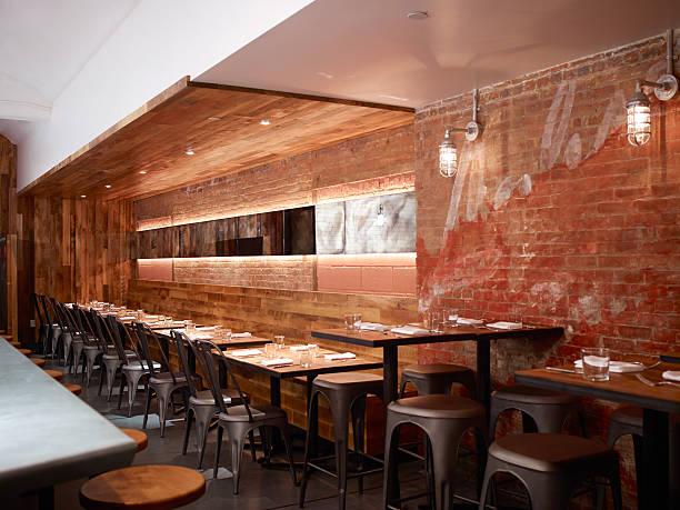 rustic restaurant with brick wall:スマホ壁紙(壁紙.com)
