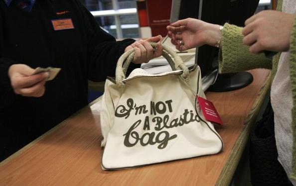 "Sainsburys「Sainsbury's Customers Buy Up Designer ""I'm Not A Plastic Bag""」:写真・画像(19)[壁紙.com]"
