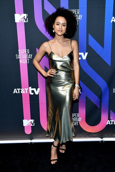 銀色のドレス「AT&T Super Saturday Night - Arrivals」:写真・画像(18)[壁紙.com]