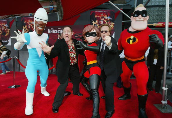 "Two People「Los Angeles Premiere of Disney's ""The Incredibles"" - Arrivals」:写真・画像(14)[壁紙.com]"