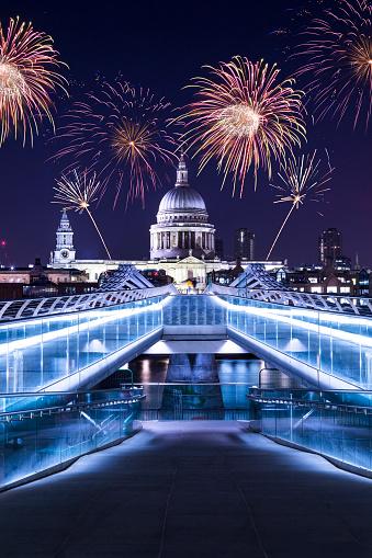 New Year「Saint Paul's Cathedral Nightscape」:スマホ壁紙(2)