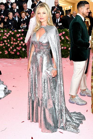 Kate Moss「The 2019 Met Gala Celebrating Camp: Notes on Fashion - Arrivals」:写真・画像(9)[壁紙.com]