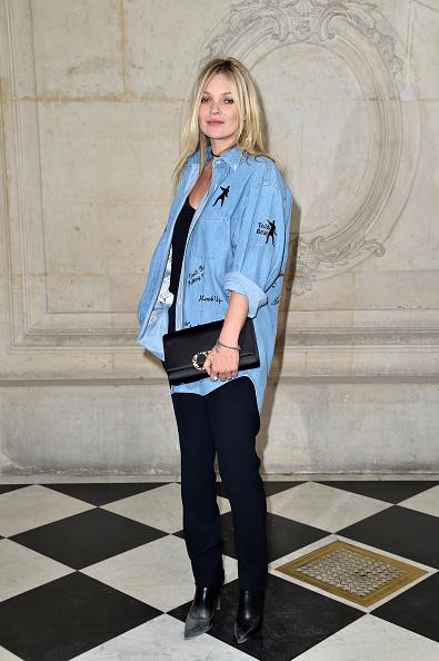 カメラ目線「Christian Dior : Photocall - Paris Fashion Week Womenswear Spring/Summer 2017」:写真・画像(11)[壁紙.com]