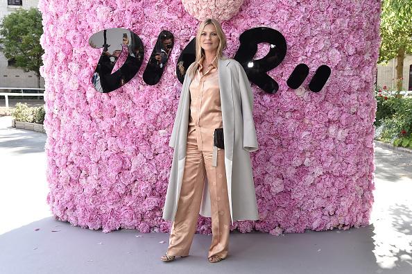 Kate Moss「Dior Homme: Photocall - Paris Fashion Week - Menswear Spring/Summer 2019」:写真・画像(16)[壁紙.com]
