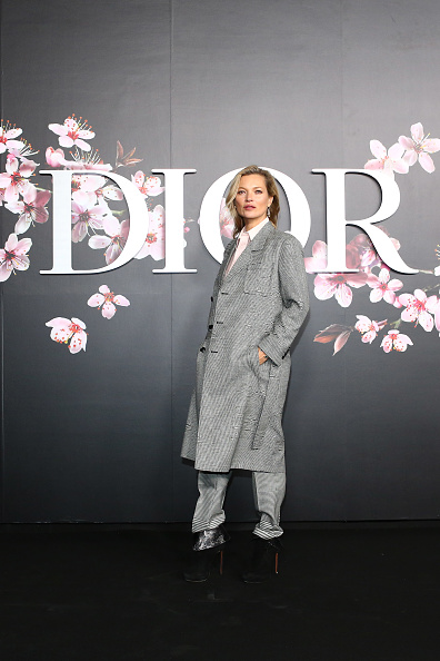 Gray「Dior Pre Fall 2019 Men's Collection - Photocall」:写真・画像(2)[壁紙.com]