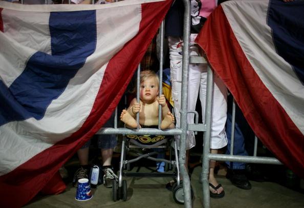 Democratic Party - USA「Hillary Clinton Campaigns Ahead Of Last U.S. Primaries」:写真・画像(9)[壁紙.com]