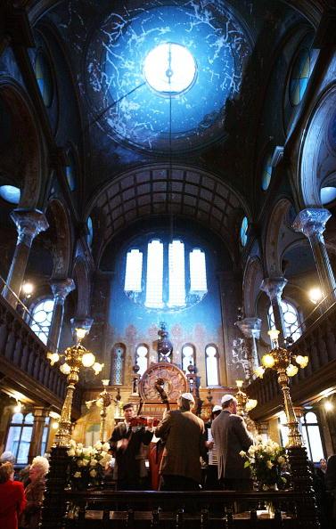 Klezmer「Historic NYC Synagogue Under Renovation Hosts Wedding」:写真・画像(5)[壁紙.com]