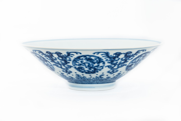 Bowl「Blue And White Bowl With Kui Dragon Medallions 1723-1735」:写真・画像(0)[壁紙.com]