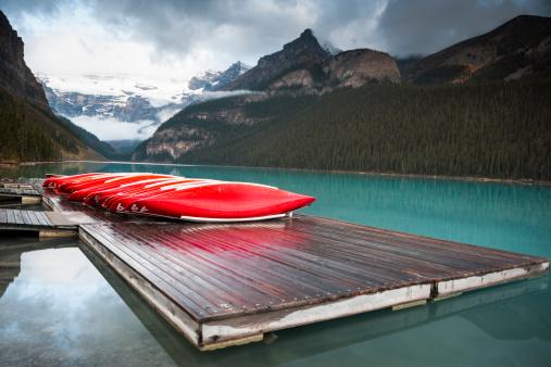 Canoeing「Canoes on the dock」:スマホ壁紙(7)