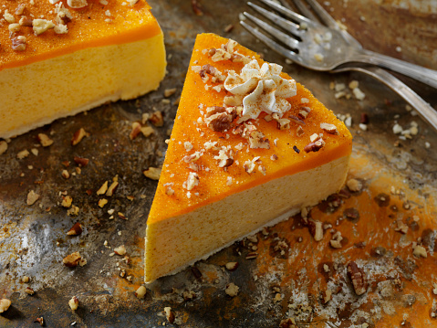 Nut - Food「No-Bake Pumpkin Spice Cheesecake with Shortbread Crust」:スマホ壁紙(10)
