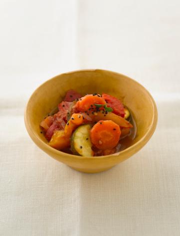 Black Sesame Seed「Vegetable dish, close up」:スマホ壁紙(16)