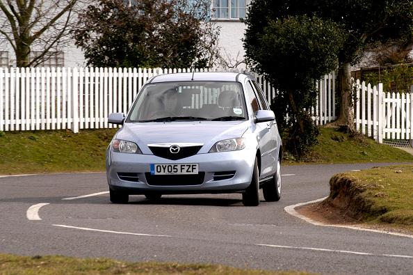 Corner「2005 Mazda 2 1.4D Antares」:写真・画像(2)[壁紙.com]