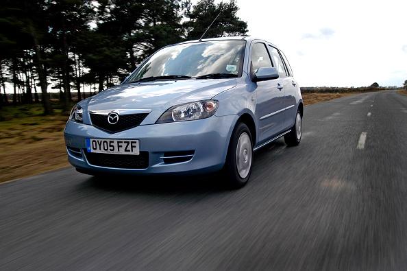 Efficiency「2005 Mazda 2 1.4D Antares」:写真・画像(11)[壁紙.com]