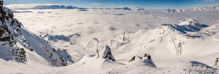 スノーボード「ヴェルビエのスキーエリアのパノラマ」:スマホ壁紙(15)