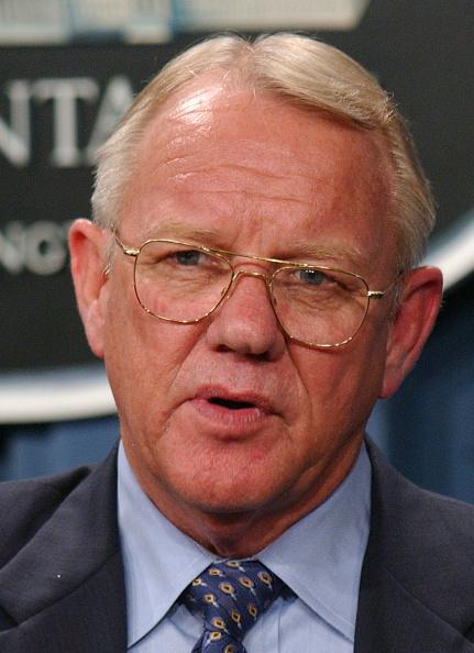 Stefan Zaklin「Rumsfeld And GarnerAnswer Questions About Reconstruction In Iraq」:写真・画像(19)[壁紙.com]