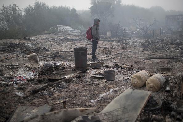 Calais「Migrants Leave The Jungle Refugee Camp In Calais」:写真・画像(11)[壁紙.com]