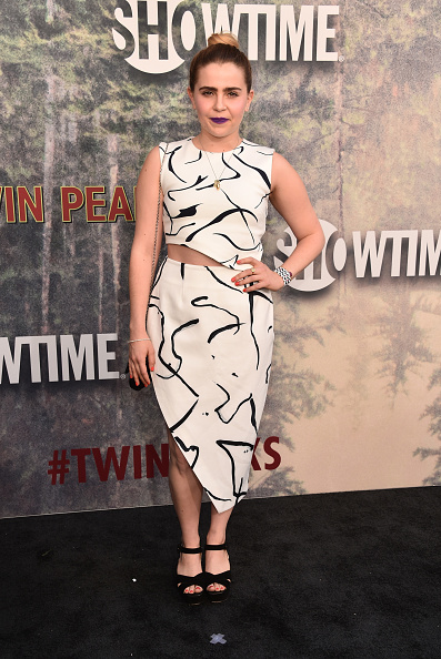 "Mae Whitman「Premiere Of Showtime's ""Twin Peaks"" - Arrivals」:写真・画像(17)[壁紙.com]"