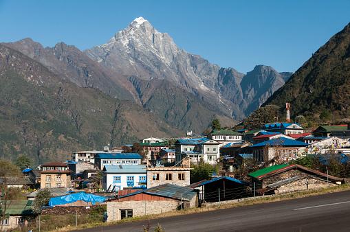 Khumbu「Lukla town」:スマホ壁紙(5)