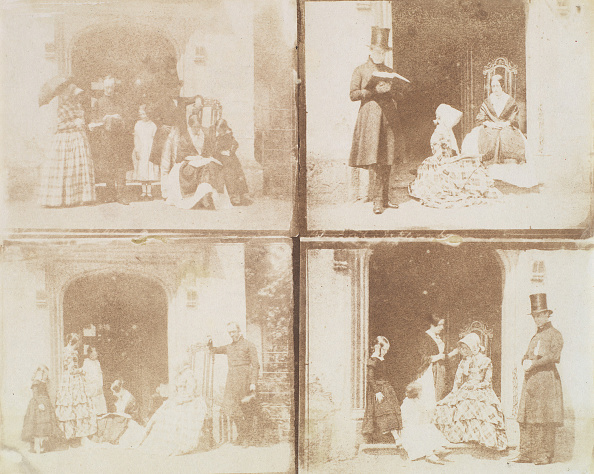 Middle Class「Contact Sheet Of Four Group Portraits In A Doorway」:写真・画像(14)[壁紙.com]