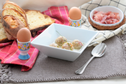 Poached Food「Knödel with speck in soup」:スマホ壁紙(13)