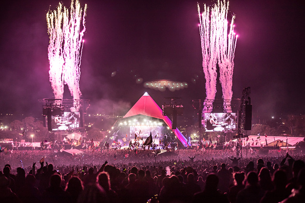 Glastonbury - England「Festival Goers Enjoy Glastonbury 2017」:写真・画像(2)[壁紙.com]