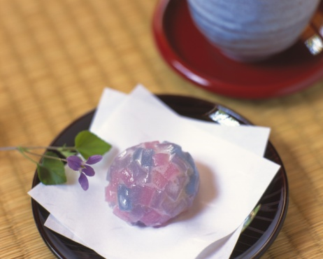 Wagashi「Wagashi, Japanese sweet on Japanese papers, cup visible in background, Differential Focus」:スマホ壁紙(12)