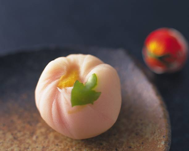 Wagashi, Japanese sweet on plate, Differential Focus, Close Up:スマホ壁紙(壁紙.com)