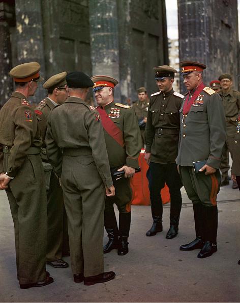 Color Image「WW II Allied Meeting Berlin」:写真・画像(18)[壁紙.com]