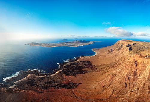 Volcano「La Graciosa island panorama, Lanzarote, Canary islands」:スマホ壁紙(12)