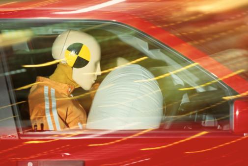 Crash Test Dummy「AIR SAFETY BAG DEMO IN CAR WITH DUMMIES」:スマホ壁紙(16)