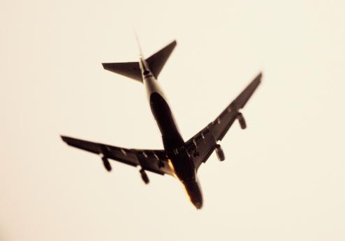 Passenger「PASSENGER JET APPROACHING AIRPORT, CALIFORNIA, USA」:スマホ壁紙(17)