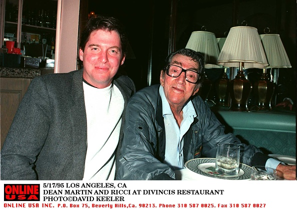 Denny Keeler「5/17/95 LOS ANGELES, CA DEAN MARTIN AND RICCI AT DIVINCIS RESTAURANT」:写真・画像(17)[壁紙.com]