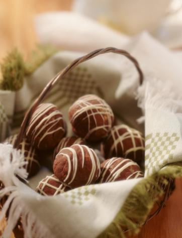 Vertical「CHOCOLATE TRUFFLES」:スマホ壁紙(12)