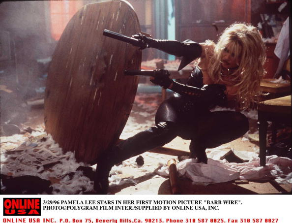 """Barbed Wire「3/29/96 PAMELA LEE ANDERSON STARS IN HER FIRST MOTION PICTURES """"BARB WIRE""""」:写真・画像(7)[壁紙.com]"""