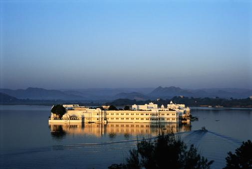 Lake Palace「FLOATING PALACE, UDAIPUR, INDIA」:スマホ壁紙(14)