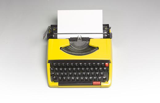 Typewriter「TYPEWRITER WITH COPY SPACE」:スマホ壁紙(16)