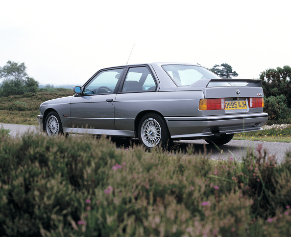 Country Road「1987 BMW M3」:写真・画像(16)[壁紙.com]