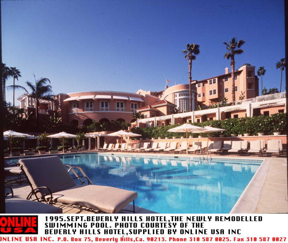Beverly Hills Hotel「SEPTEMBER 1995-BEVERLY HILLS,THE SWIMMING POOL AND HOTEL,NOW REMODELLED AT THE BEVERLY HILLS HOTEL O」:写真・画像(7)[壁紙.com]