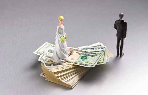 Married「DIVORCED COUPLE ON DOLLARS」:スマホ壁紙(0)