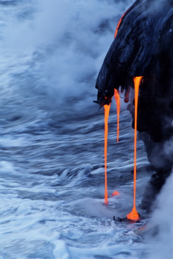 Active Volcano「LAVA FLOWING INTO OCEAN, HAWAII」:スマホ壁紙(4)