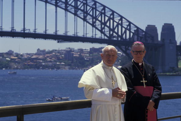 Bishop - Clergy「Pope John Paul II : The Papal Tour of Australia」:写真・画像(8)[壁紙.com]