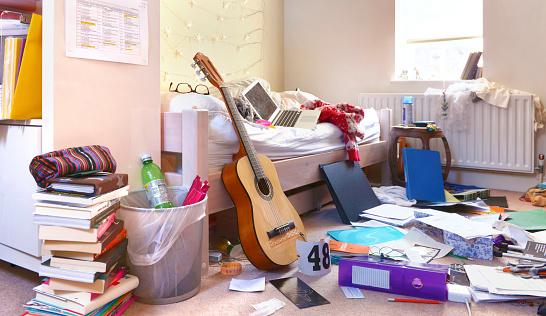E-Waste「TEENAGERS BEDROOM」:スマホ壁紙(13)