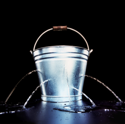 Problems「BUCKET WITH HOLES LEAKING WATER」:スマホ壁紙(14)